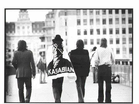 kasabian_bridge_flag_lo_res